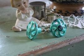 mooi ijzeren kastknopje in blauw/groen