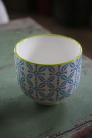 kleine porseleinen mokjes in blauw