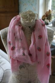 vrolijke sjaal met aardbeien in roze