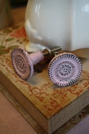 bijzonder roze metalen kastknop