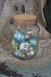 "glazen pot met miniballetjes in zacht pastel ""aqua"""