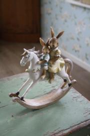 """prachtig beeld """"Samen op het witte paard"""""""