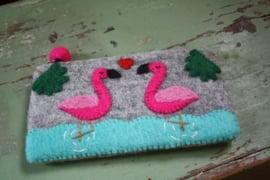 handgemaakte vilten flamingo portemonnee