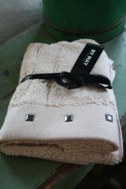 """heerlijk zacht  handdoekje met studs """"Sandshell"""""""
