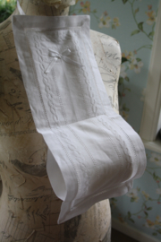 mooie stoffen toiletrolhouder voor 2 rollen met borduursel