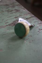 mooie houten knop met groen