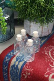 glazen mini flesje met kurk