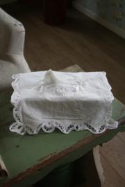 mooie tissue hoes met lacet kanten rand
