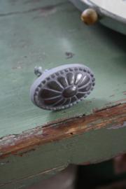 """metalen knop """"antique grijs ovaal"""""""