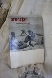 """mooie kartonnen reclameplaat """" Bronztan"""""""