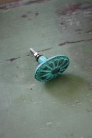 groen metalen ovale kastknop