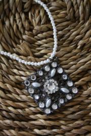 mooie metalen hanger met strass steentjes
