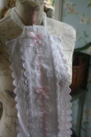 mooie stoffen toiletrolhouder met kant en roze lint geschikt voor 3 rollen