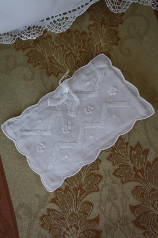mooi stoffen envelopje met borduursel