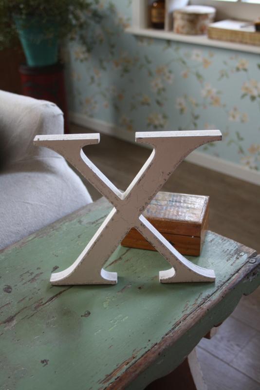 witte houten X