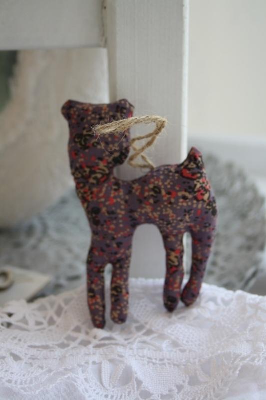 """schattig stoffen bambi in mooie vintage stof """" paars"""""""