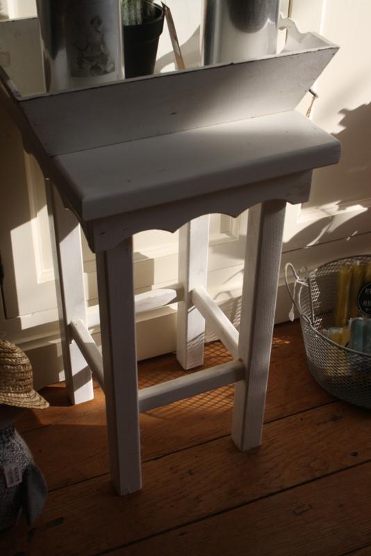 wit vierkant houten tafeltje