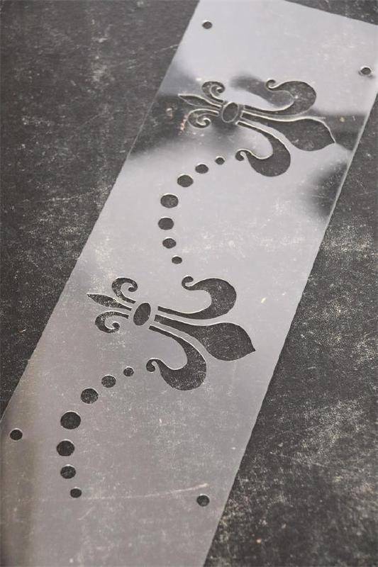 Stencil Fleur-de-Lis