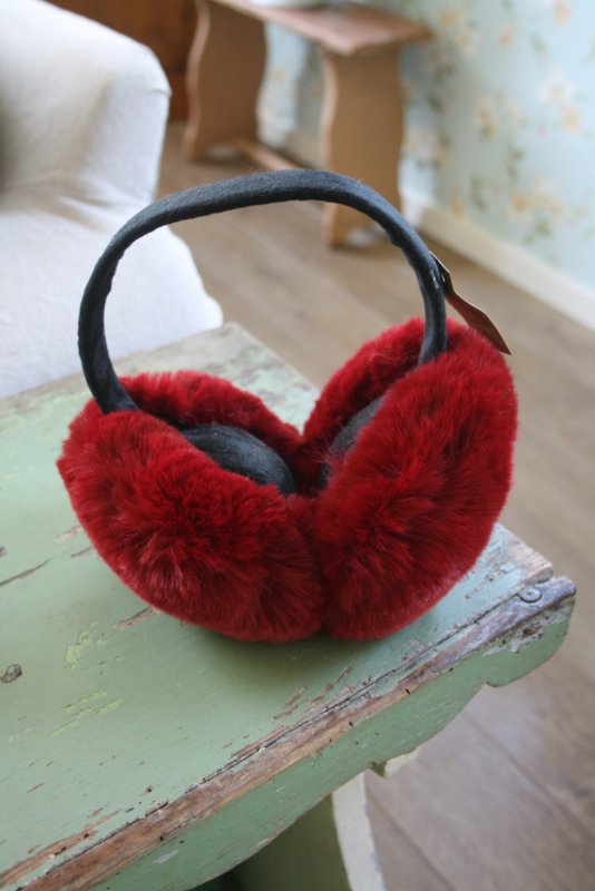heerlijk warme oorwarmers in donker rood