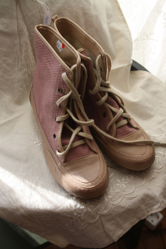 leuke roze enkel boots in maat 36