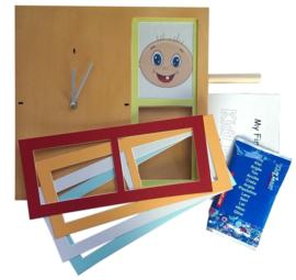 Klok - My First Clock houtkleur met ruimte voor foto en hand of voetafdruk