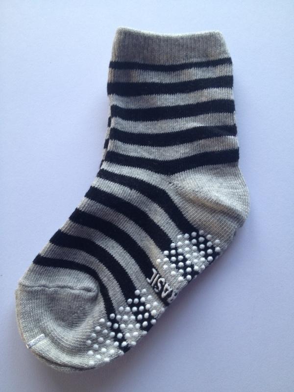 4810 antislip sokken middengrijs met zwart gestreept