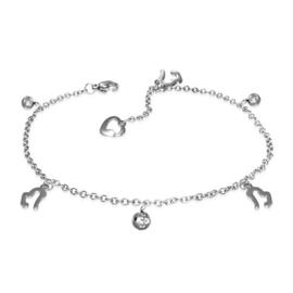 Mooie zilverkleurige Stalen Armband (of Enkelbandje) met hartjes
