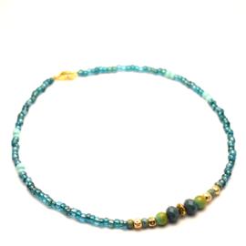 Korte kralen ketting dames turquoise & goud