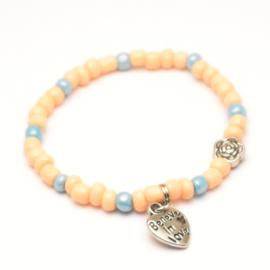 Meisjes rocailles armband zalmroze lichtblauw met hartje