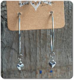 Oorringen met hanger klein hartje zilverkleurig 40 mm