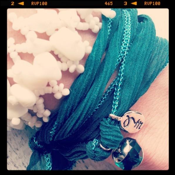 Rakhi armband gecombineerd met rocailles armband