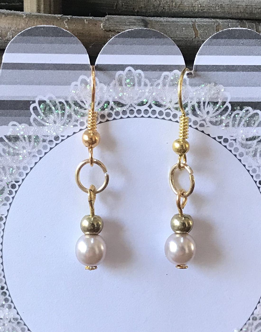 Pearly earrings gold plated