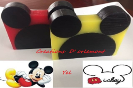 043. Yelitza van Creaciones D'orlemont - Mickey Mouse Zeep