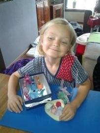 - WINNAAR Jury - Prijs: Koopdoos zeep + badkaviaar voor 8 kinderen - 018. Yvette uit Buurmalsen - P4197