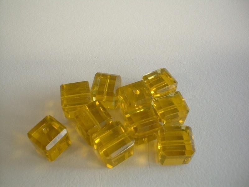 kraal - facet - geel - vierkant - 8 mm - 10 stuks - KEB042