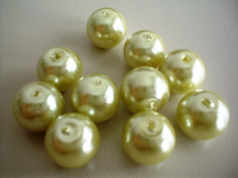 kraal - glasparel - light green  -12 mm - 10 stuks - KEB009