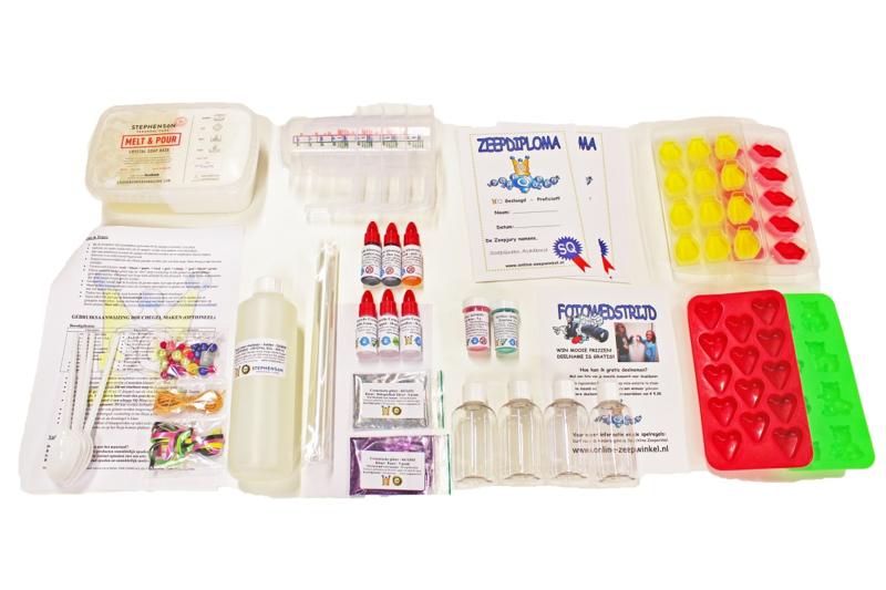 koopdoos / pakket zeep + douchegel maken - 4 kinderen