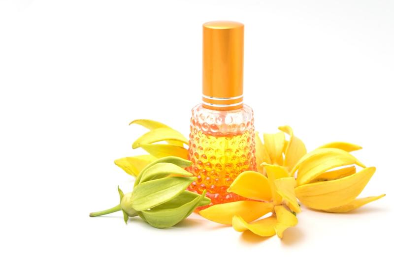 - AANBIEDING - Etherische olie Ylang Ylang (gemengd) - EO048 - KH0101 -  100 ml