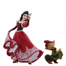 Snow White & Dopey Christmas H 20cm 4058287 Disney Showcase