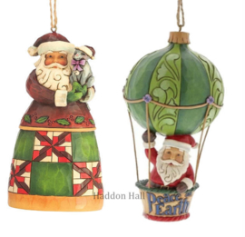 Set van Jim Shore Santas Hanging Ornament - Santa with Cat - Santa in Air Balloon