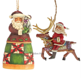 Set van 2 Jim Shore Hanging ornament Santa with Cat - Santa in Reindeer