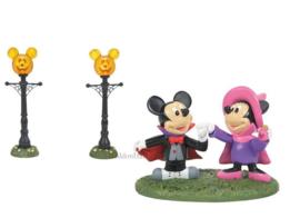 Pumpkintown - Mickey , Minnie & Street Lights - Diney Village by D56