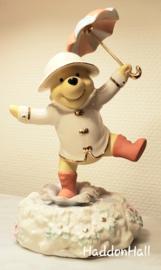 "Winnie The Pooh ""Singing in the Rain"" H20cm Disney by Lenox 772249"
