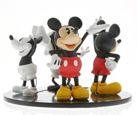 Mickey 90 Years - Evolution of Mickey Scene gelimiteerd wereldwijd 400 stuks.