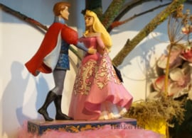 Aurora Roze Jurk & PRINCE Dancing Figurines23 cm Jim Shore 4059733 gesigneerd
