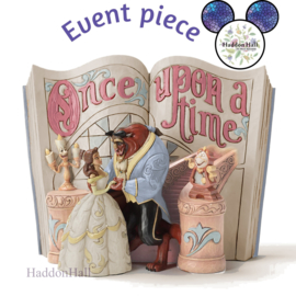 Beauty & The Beast Storybook White Woodland  Event Piece 12 november 2021 Haddon Hall