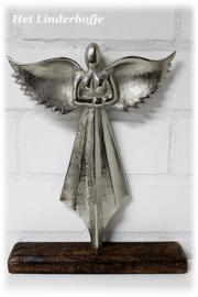 Engel zilver op voet *.