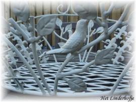 Landelijke metalen mand