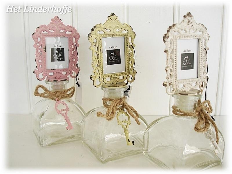 Fles met fotolijstje wit - geel - roze