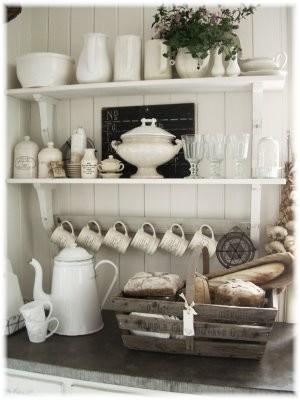 Servies, serviesgoed en aardewerk bij Het Linderhofje landelijke woonaccessoires en woondecoraties.